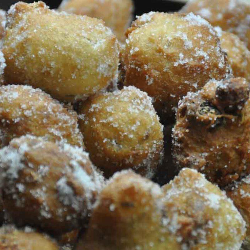 Frittelle di San Martino con latte e uova